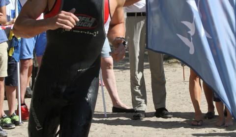 Uppskattat inslag med tvåvarvsbana på simningen, allt för publiken! Här varvar Christiaan.